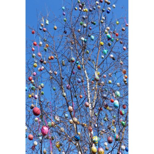 Osterbaum mit Ostereiern